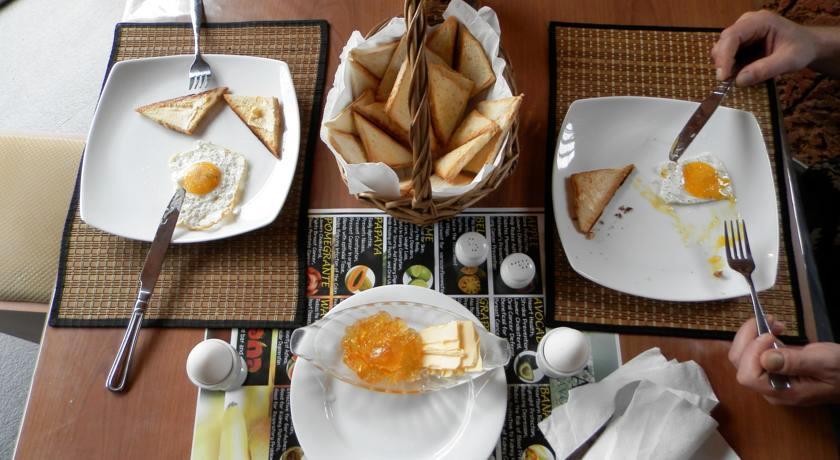 Raj Mahal Inn Wadduwa Good Food Sri Lanka